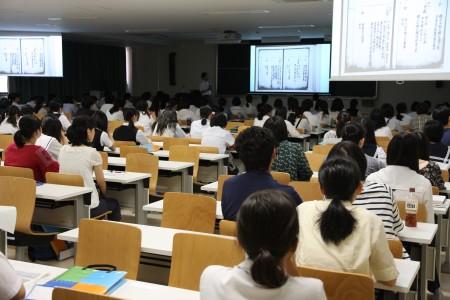 日本文学科もぎ講義.JPG