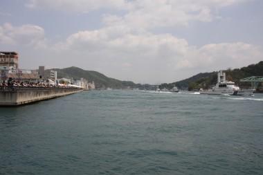 海上保安部による海上パレード.JPG