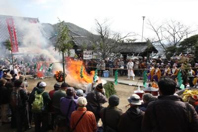 西國寺 火渡り3.JPG