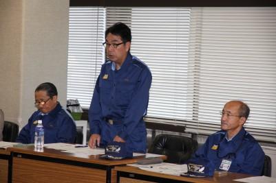 防災訓練で挨拶する平谷市長.JPG